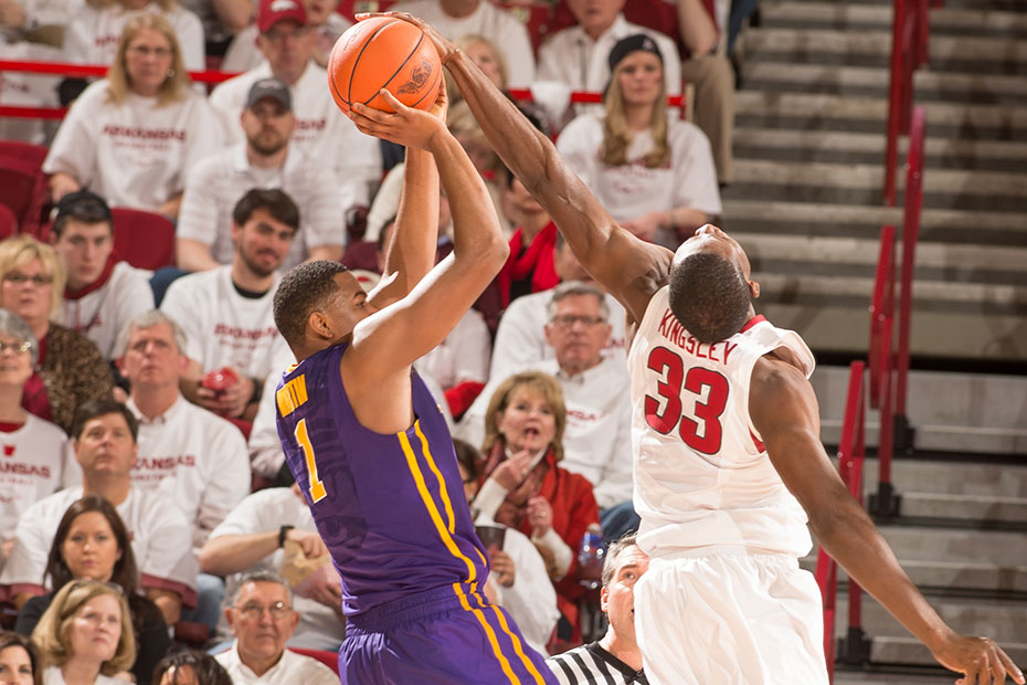 Kingsley helps Arkansas add to LSU's woes in 85-65 victory