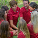 1516-Women's-Golf-Team-huddle