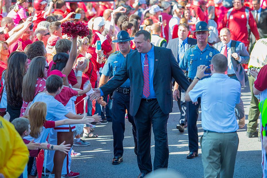 Coach-b-hog-walk