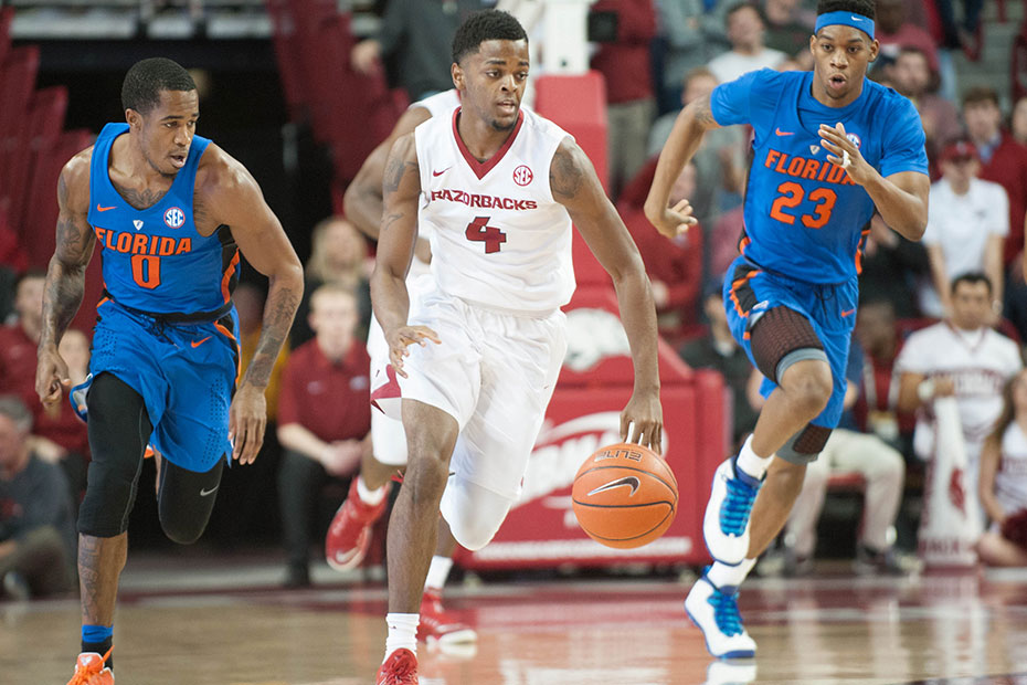 Hogs On Brink Of History In Final SEC Road Tilt