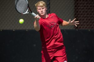 Two Razorbacks Advance To Saturday In Milwaukee