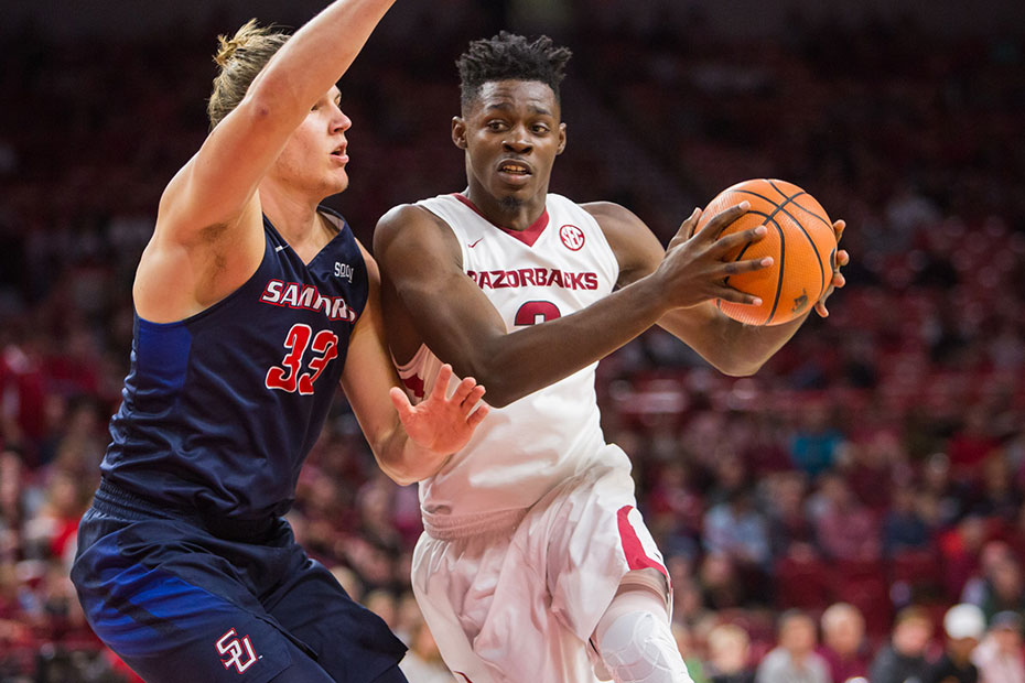 Hogs Back In Action Friday Against Fresno State