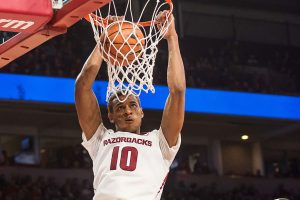 Gafford's Career Game Leads Hogs Over Bulldogs