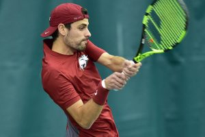 Arkansas Sweeps Singles Against Mustangs