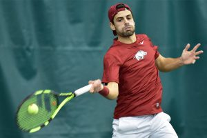 Hogs Travel South For Weekend Matches With Mustangs and Longhorns