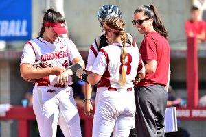 Razorbacks Open Fayetteville Regional with 2-0 Win