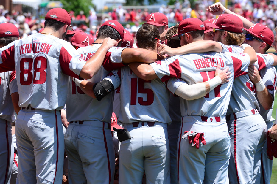 Gamecocks Drop Game One Of Super Regional