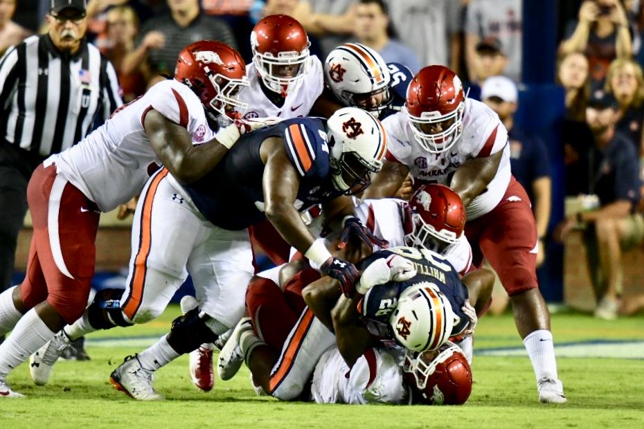 Arkansas Drops SEC Opener at Auburn