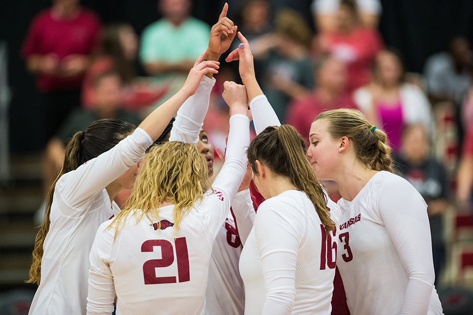 Hogs Close Schedule With Thanksgiving Trip
