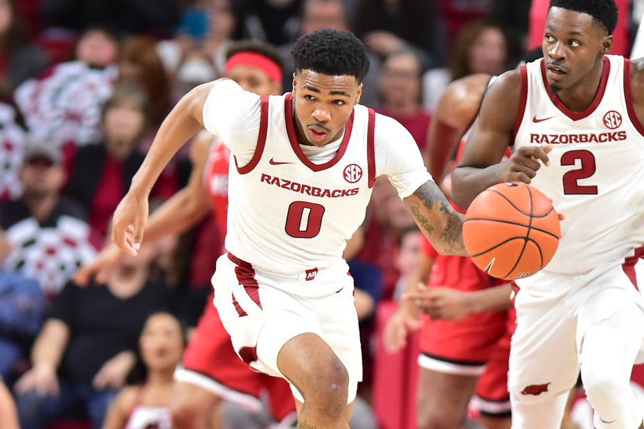 Razorbacks Drop One Late to WKU