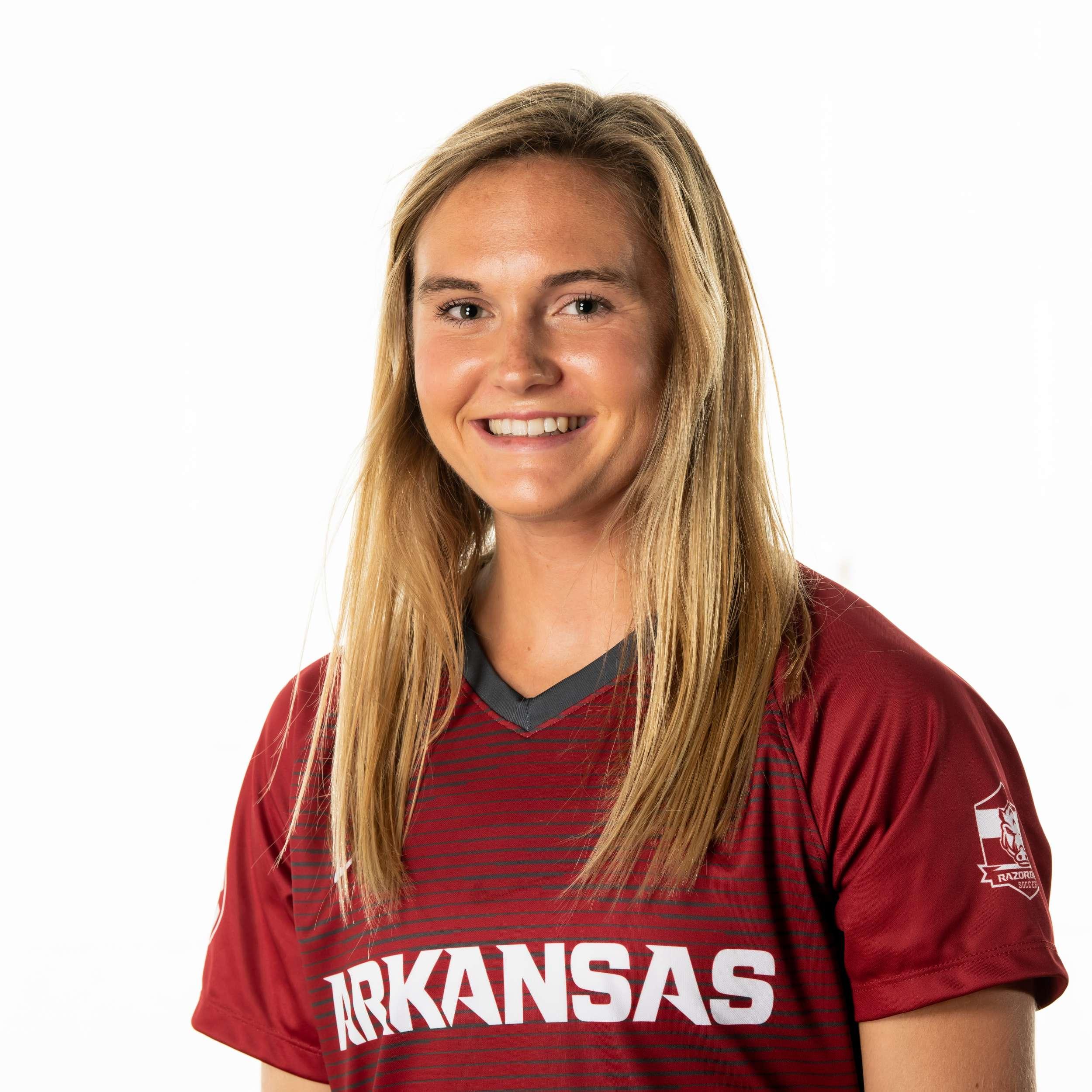 Anna Podojil - Women's Track & Field - Arkansas Razorbacks