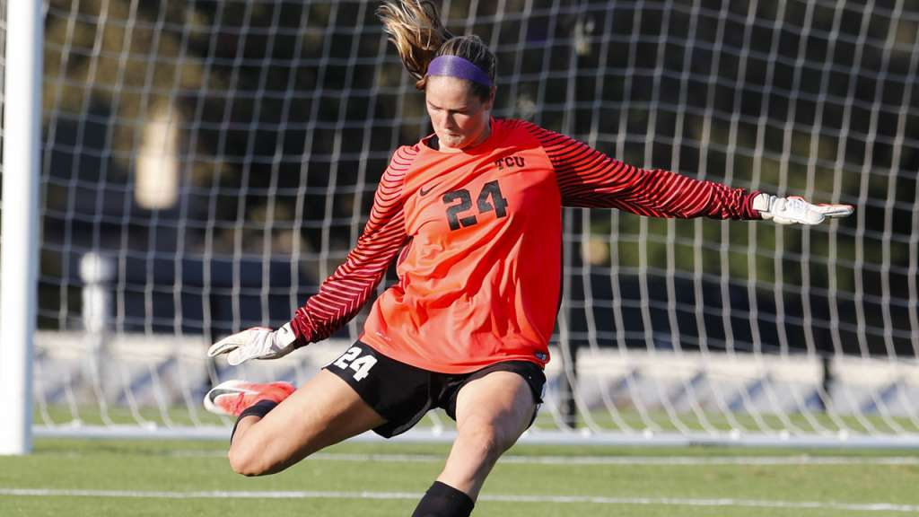 Soccer Adds Lund As Transfer For 2019