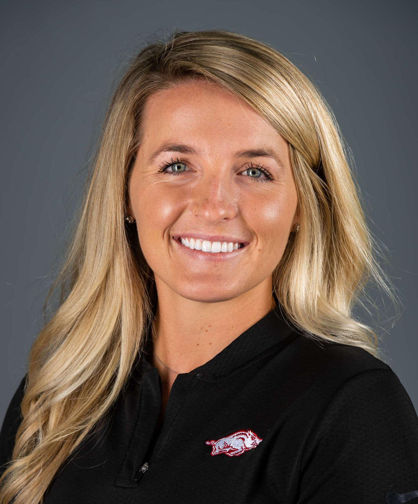Kelly Nielsen - Women's Golf - Arkansas Razorbacks
