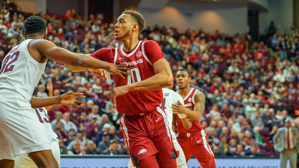Arkansas Opens SEC Play With Win at Texas A&M