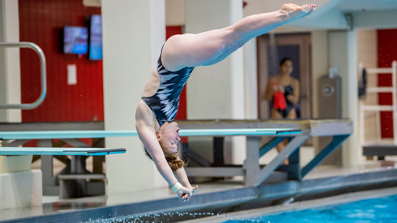 Schultz Takes 3-Meter Crown, Hogs Set Two Records