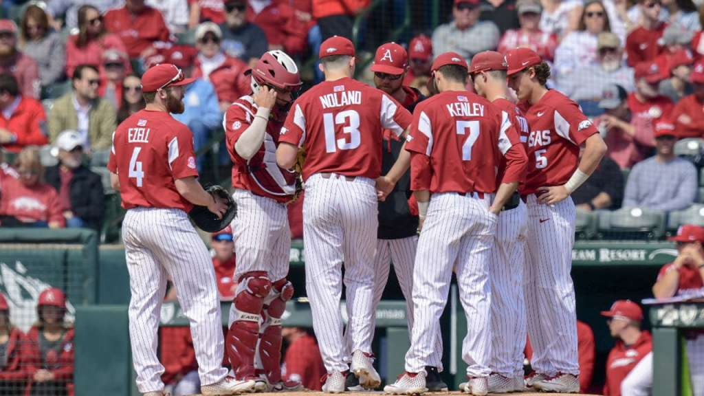 Alabama Forces Rubber Match With Arkansas