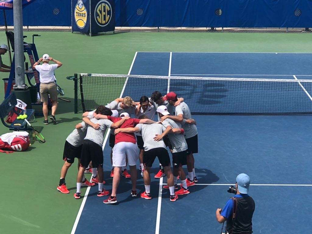 Arkansas Advances To Second Round Of SEC Tournament