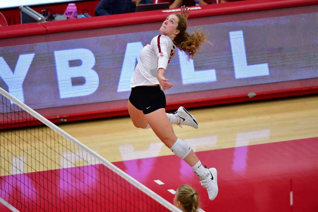 Volleyball Splits Final Day at Maryland Invite