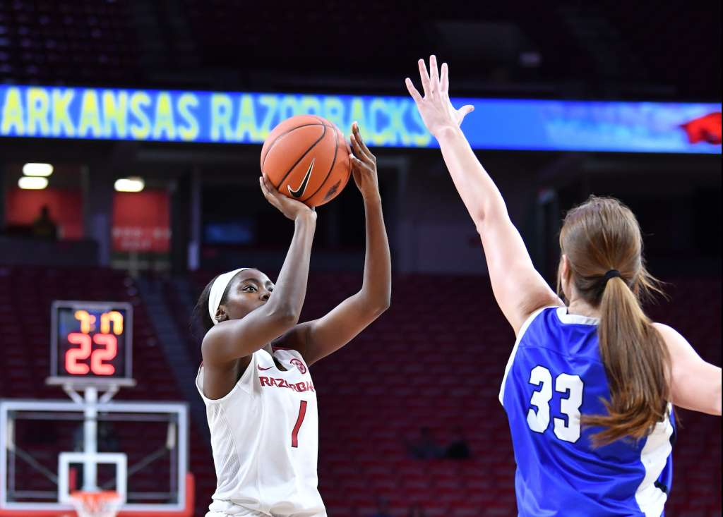 Arkansas Closes Exhibition Schedule with 77-62 Win Over Oklahoma City