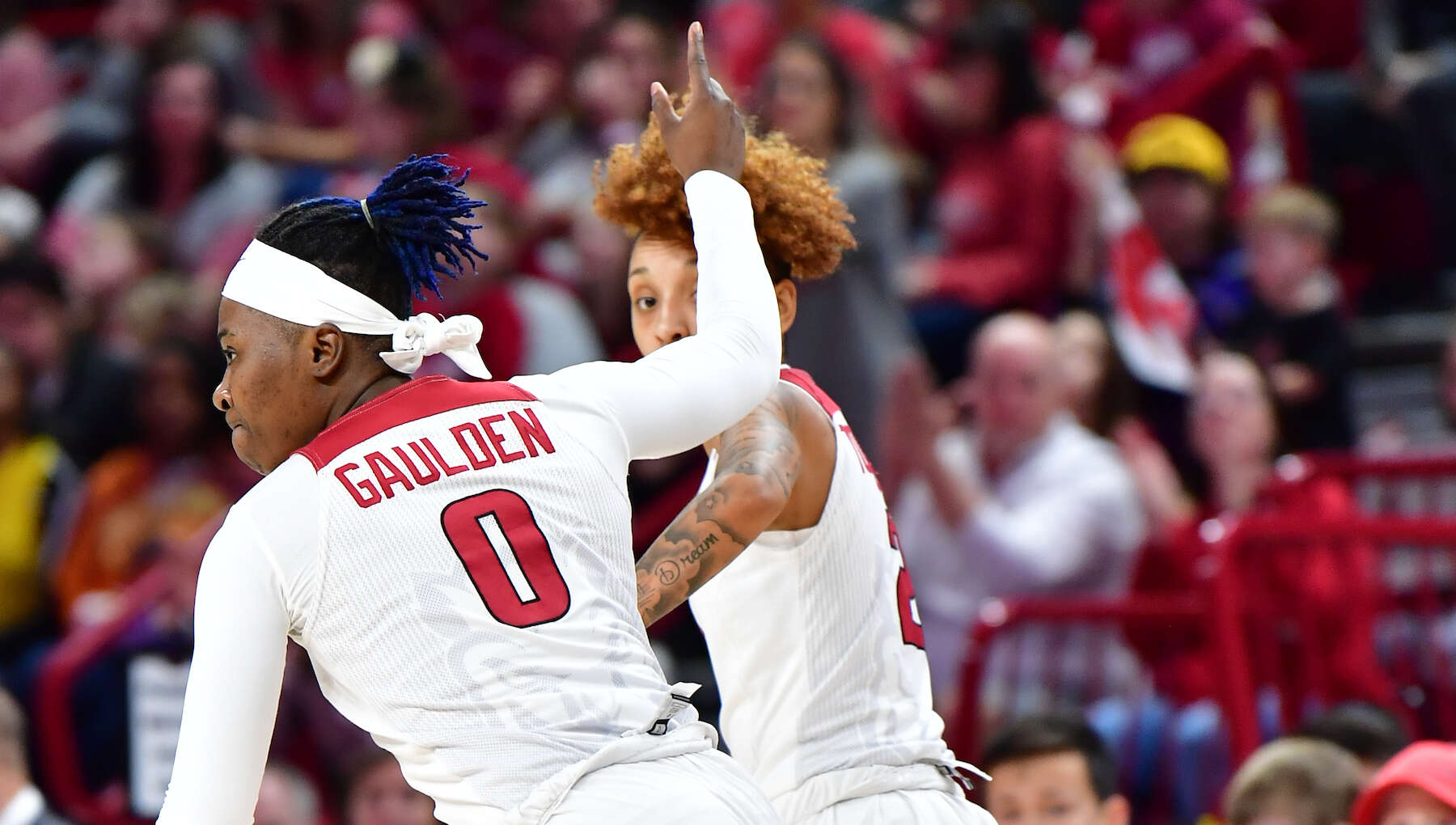 Hogs Bounce Back, Beat Florida, 79-57