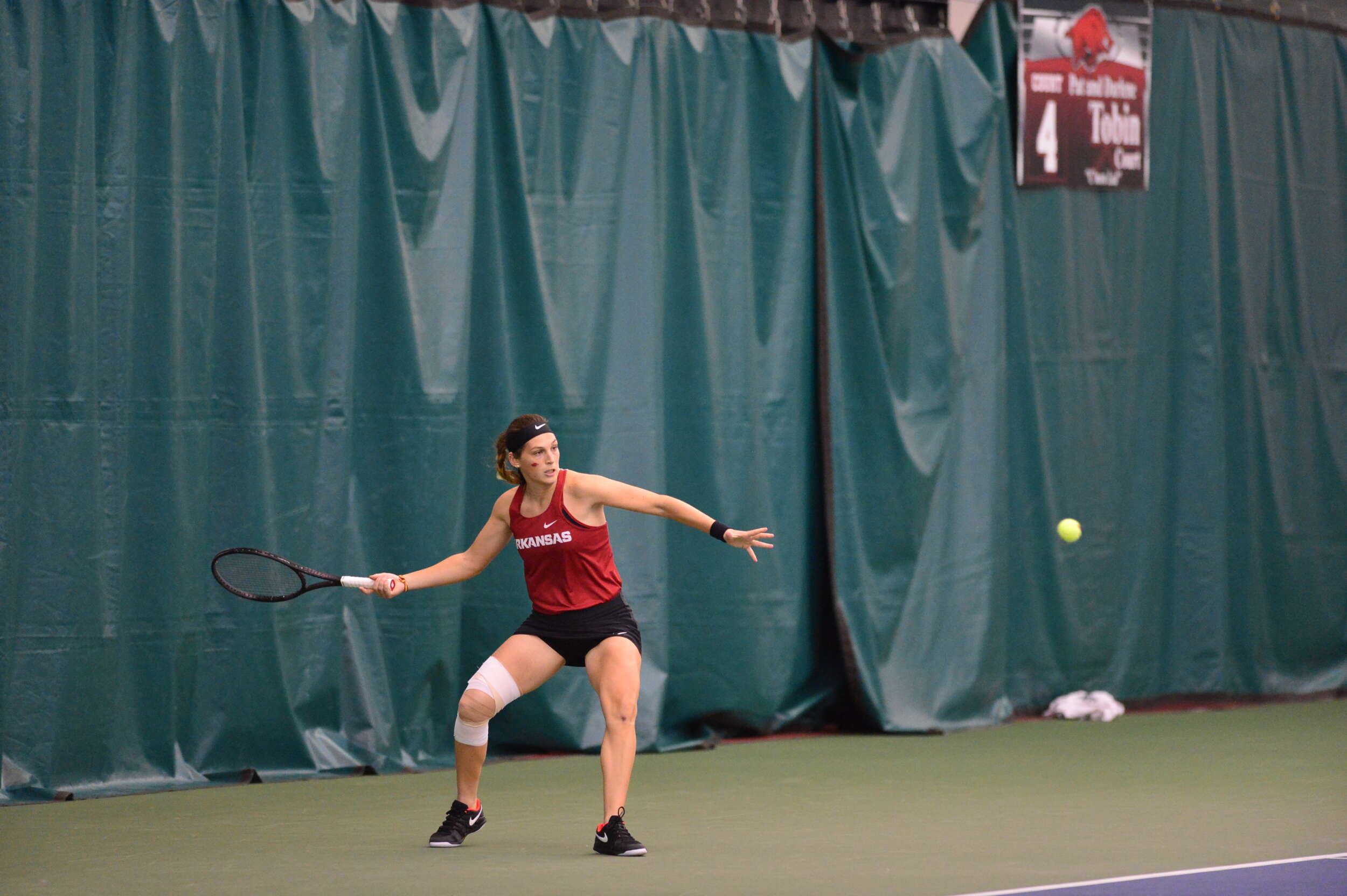 Women's Tennis Falls to No. 6 Pepperdine