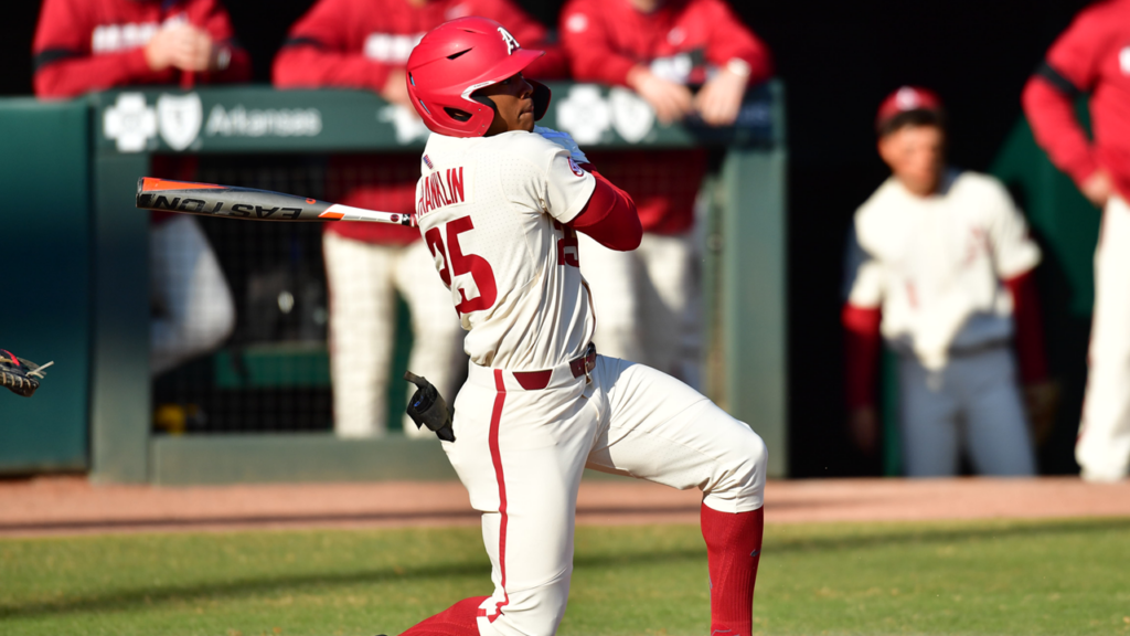 No. 7 Razorbacks Battle to Series-Opening Win Over Zags