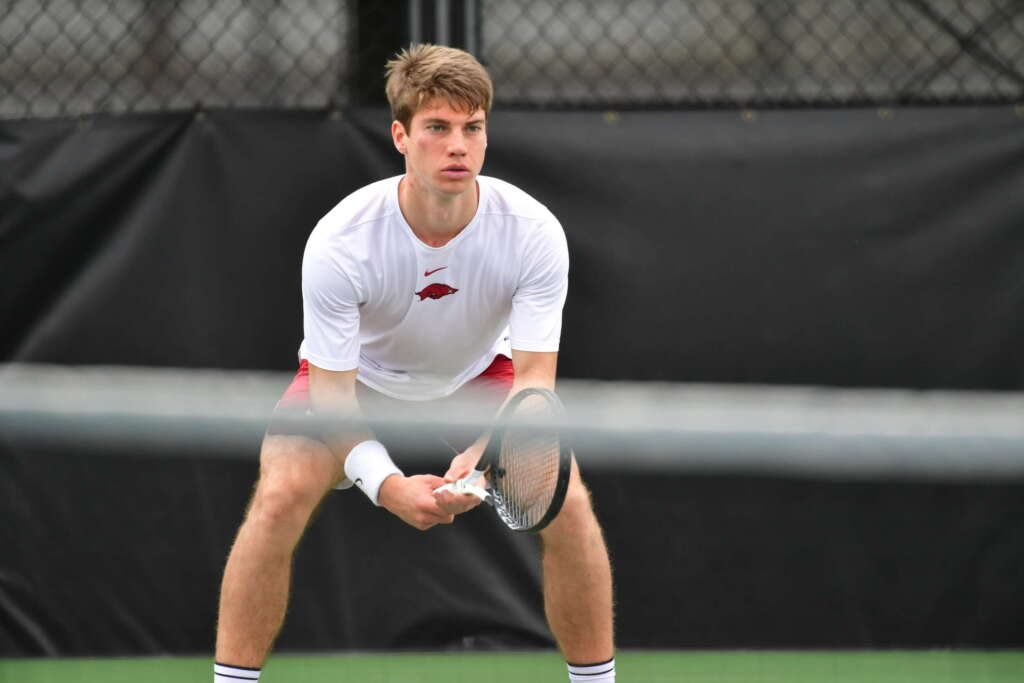 Men's Tennis drops contest with No. 14 Ole Miss, 4-3