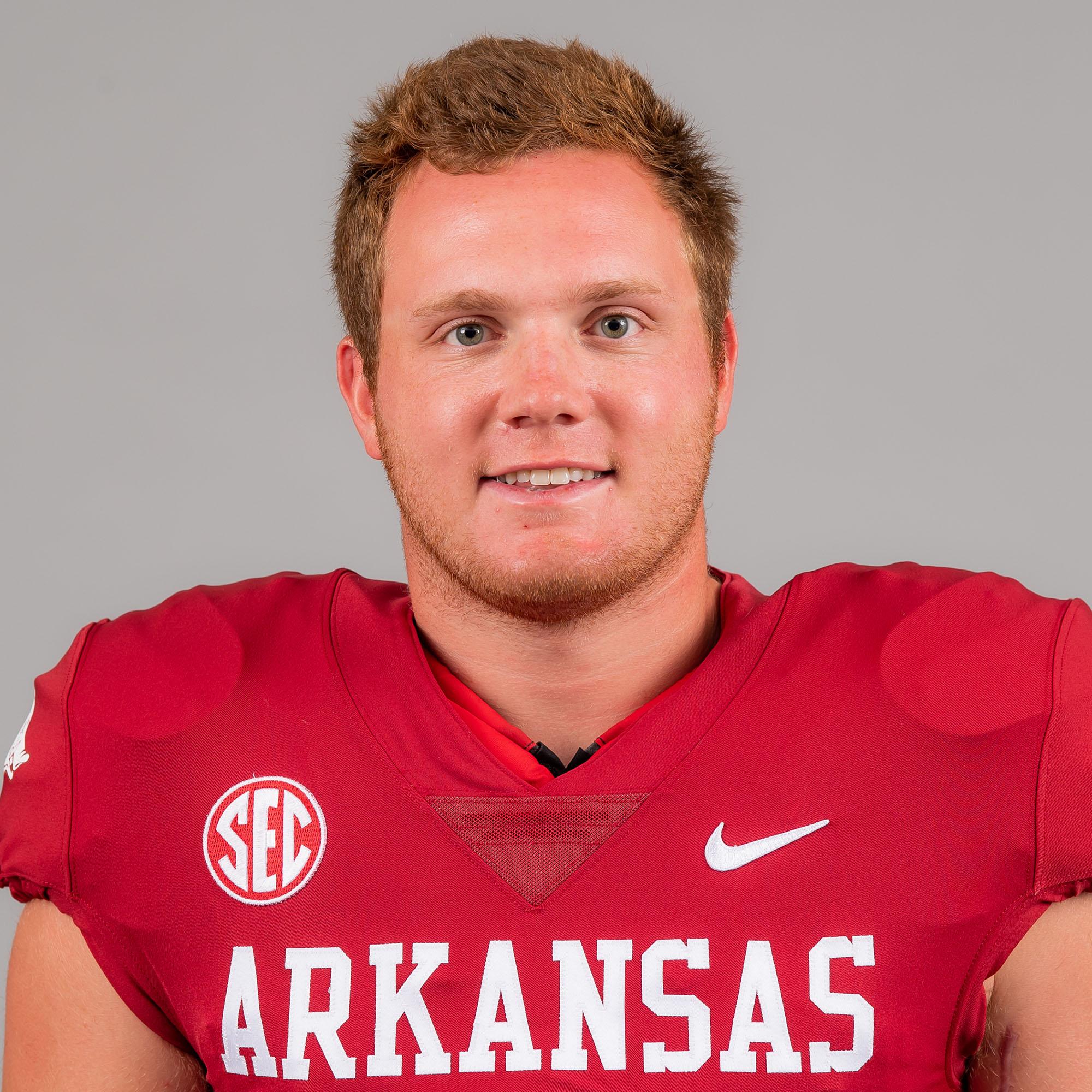 Hayden Henry - Football - Arkansas Razorbacks