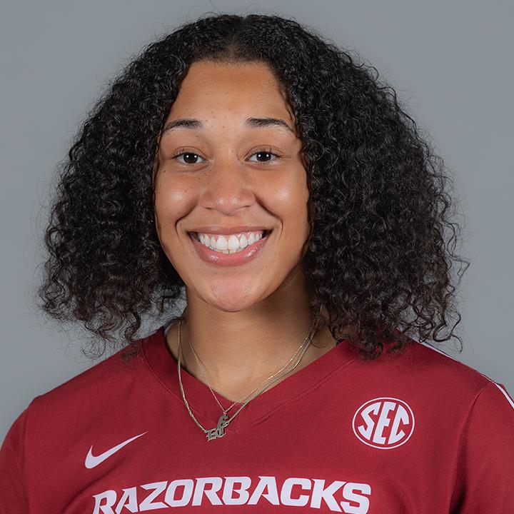 Ellease Crumpton - Volleyball - Arkansas Razorbacks