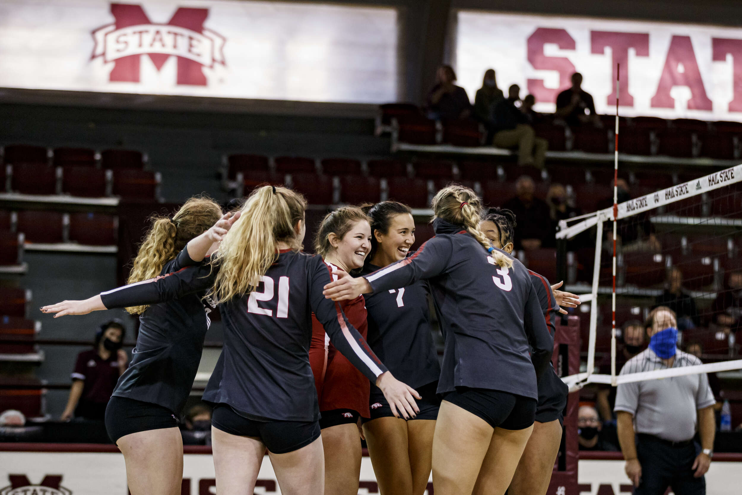Razorback Volleyball Shows Grit in Five-Set Win over Bulldogs