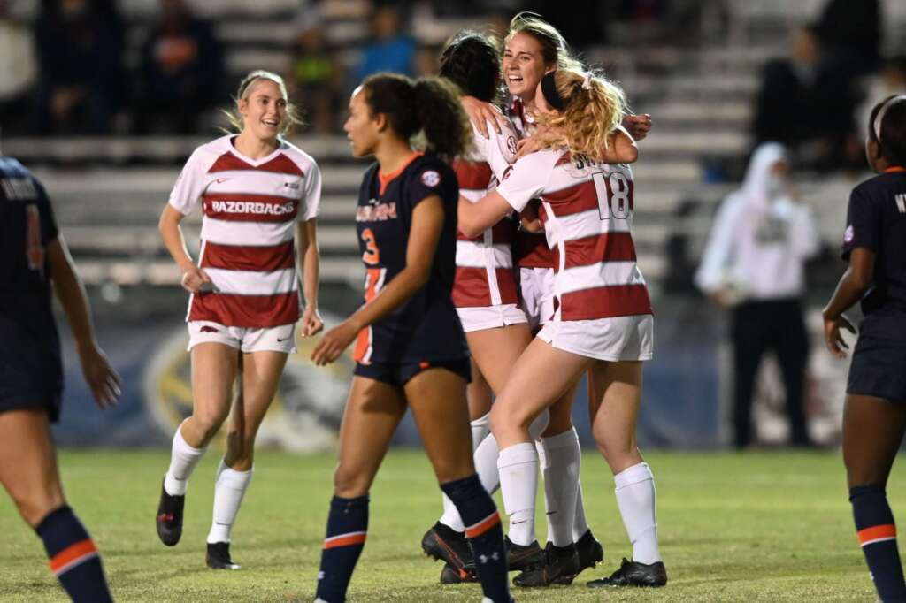 No. 6 Soccer Advances to SEC Tournament Semifinals with 4-3 win over Auburn