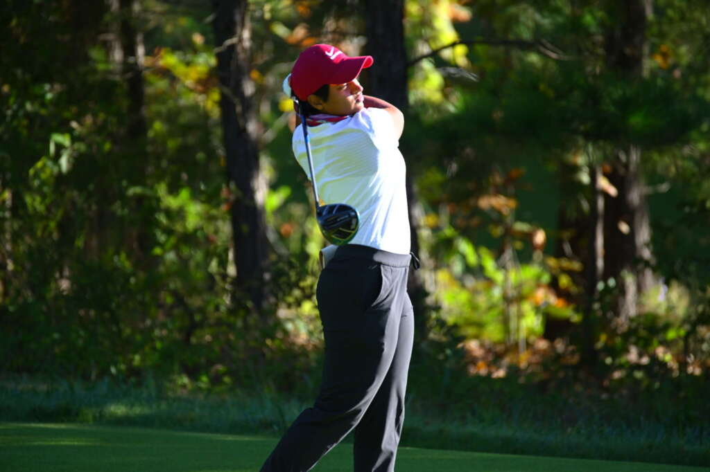 Arkansas Tied for Seventh After Round One
