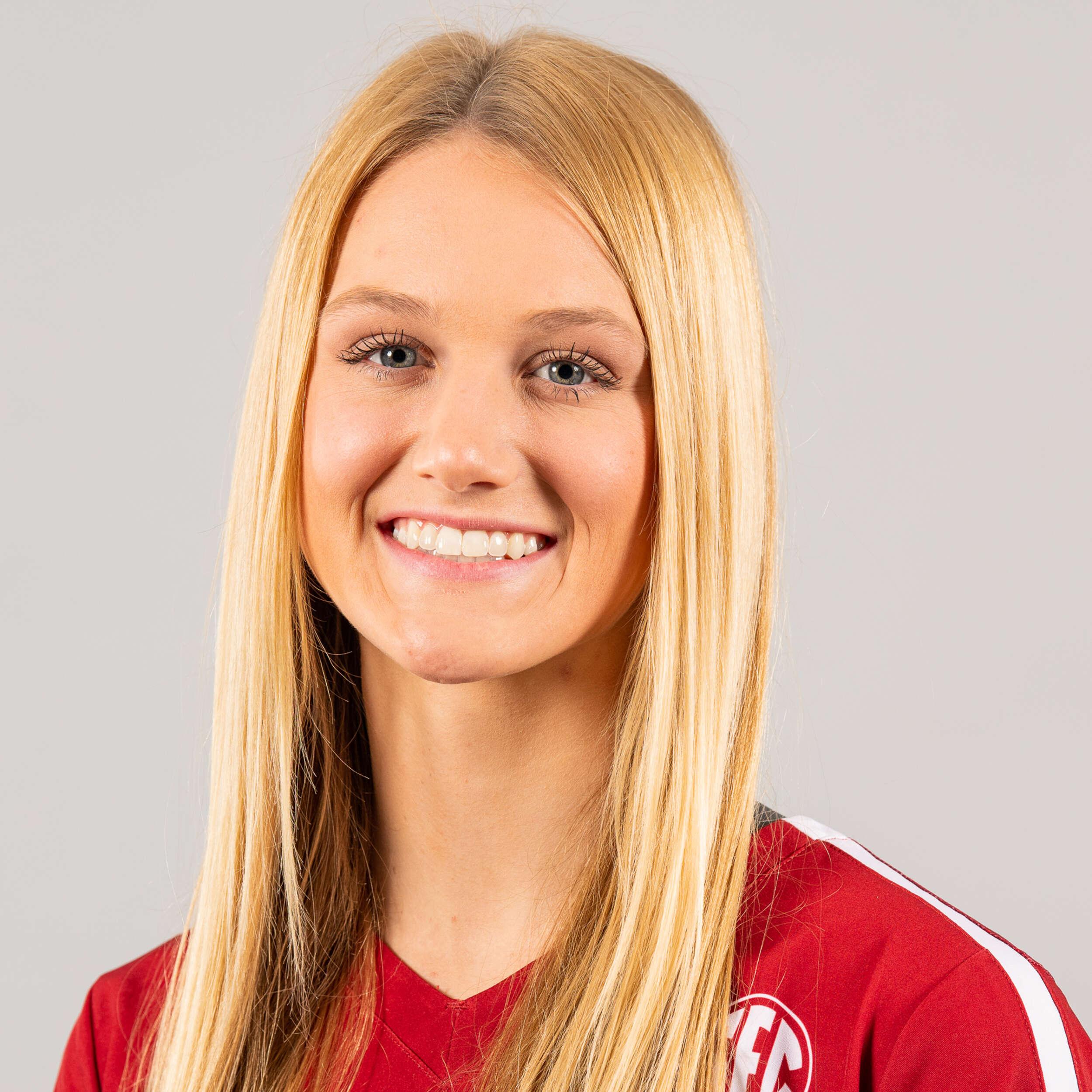 Hannah Hogue - Volleyball - Arkansas Razorbacks
