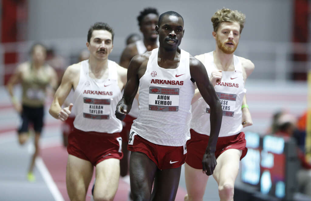 Solid performances pace Razorbacks in team victory