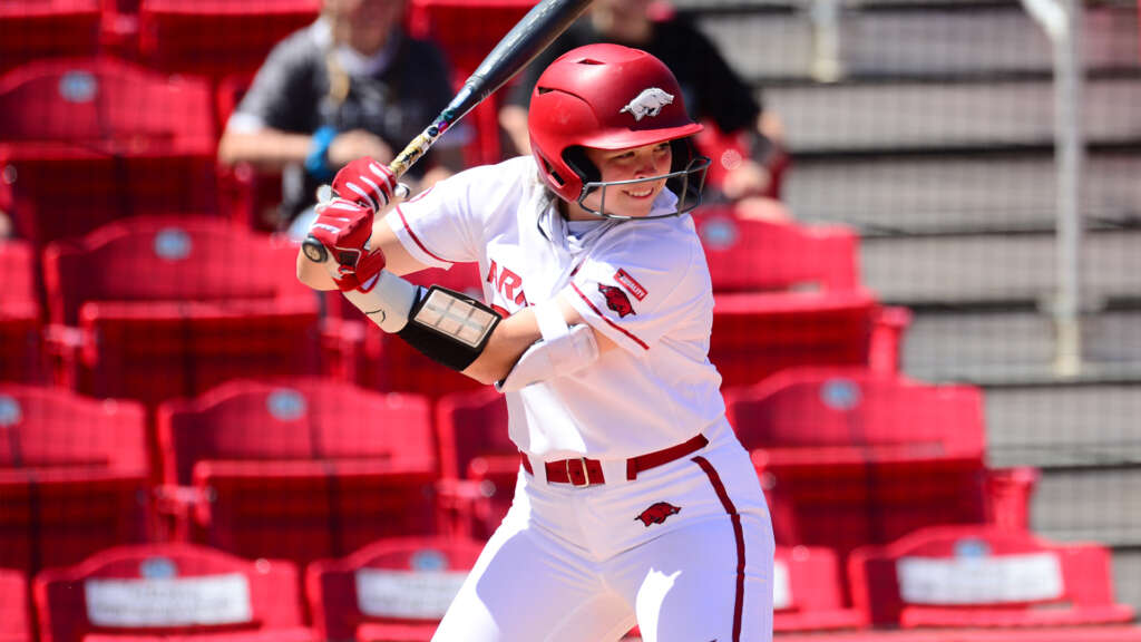 No. 8 Arkansas Falls in Series Finale to No. 3 Alabama, 2-0