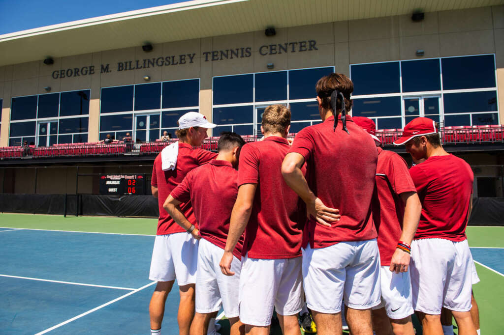 No. 26 Men's Tennis falls at No. 16 Mississippi State