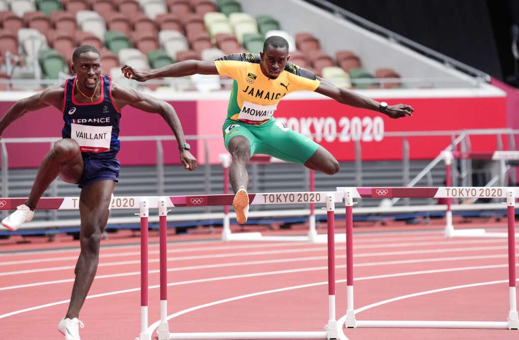 Kemar Mowatt advances in 400m hurdles at Tokyo Olympics