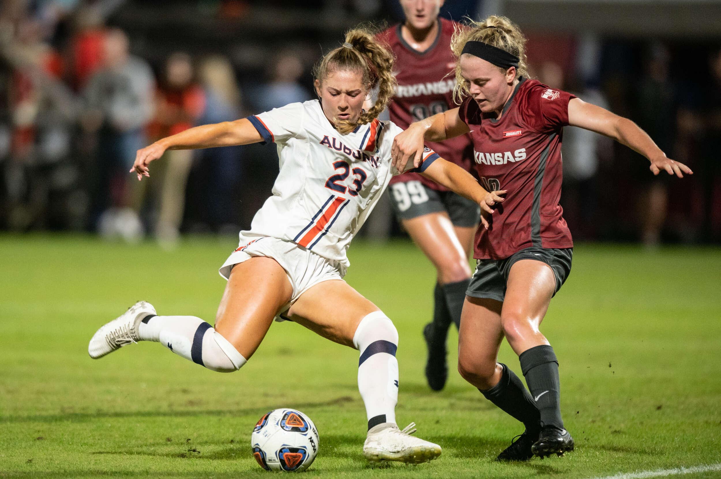 No. 4 Soccer Clinches Third-Straight SEC Title; Defeats No. 19 Auburn, 2-0